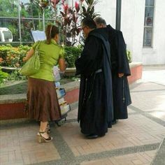 Public witnessing in Cali, Colombia. Photo shared by @lizchef