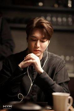 """ So gorgeous. Jung So Min, Boys Over Flowers, Asian Actors, Korean Actors, Lee Min Ho Wallpaper Iphone, Lee Min Ho Dramas, Legend Of Blue Sea, Lee Minh Ho, Lee Min Ho Photos"
