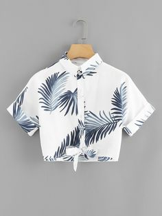 Leaf Print Knot Hem ShirtFor Women-romwe Source by ngustyan outfits verano Crop Top Outfits, Cute Casual Outfits, Stylish Outfits, Summer Outfits, Vetement Fashion, Teen Fashion Outfits, Teenager Outfits, Aesthetic Clothes, Ideias Fashion
