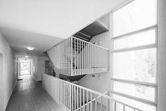 Výsledok vyhľadávania obrázkov pre dopyt bytovy dom schodisko