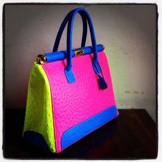 "this bag so FYE!! STYLE DROP ""HOT Bag"" http://t.co/m1V5Q1Tg #styledrop #ladies #bag #color"