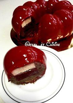 Entremets mousse au chocolat,crémeux vanille et confit framboise