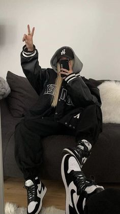 Adrette Outfits, Tomboy Outfits, Tomboy Fashion, Retro Outfits, Cute Casual Outfits, Fashion Outfits, Skater Girl Outfits, Moda Streetwear, Streetwear Fashion