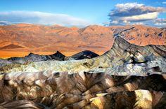 Zabriskie Point, el Parque Nacional Valle de la Muerte ➦ Más Información del Turismo de Navarra España: ☛  #NaturalezaViva  #TurismoRural ➦   ➦ www.nacederourederra.tk  ☛  ➦ http://mundoturismorural.blogspot.com.es  ☛  ➦ www.casaruralnavarra-urbasaurederra.com ☛  ➦ http://navarraturismoynaturaleza.blogspot.com.es ☛  ➦ www.parquenaturalurbasa.com ☛   ➦ http://nacedero-rio-urederra.blogspot.com.es/