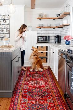 Style your kitchen for Mother's Day with our Gharajeh Persian rug! Cheap Rustic Decor, Cheap Home Decor, Discount Area Rugs, Area Rugs For Sale, Boho Living Room, Home Decor Kitchen, Kitchen Ideas, Home Decor Trends, Vintage Home Decor