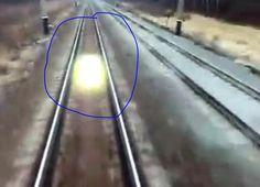 ижевск нижний новгород жд: UFO flying along the railroad tracks Novgorod-Izhevsk engineering thanks.