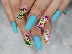 """92 Likes, 3 Comments - Michelle Soto (@chellys_nails) on Instagram: """"Summer bright! Using @vetro_usa Gels #010 dominant color #nails #nailsinorlando #nailsinkissimmee…"""""""