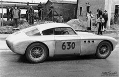 Abarth 204, dessin Michelotti, réalisation Vignale, moteur Fiat modifié, 1090 cm3, 78 ch, 190 km/h