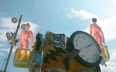 "SAR '16. Pam Marwede: ""Column"" Found materials art / (curadoria) Art fet amb materials reutilitzats / (comisariado) Arte hecho con materiales reutilizados: Pam Marwede Multimedia, Workshop, Space, Pallets, Repurposed, Artists, Art, So Done, Floor Space"