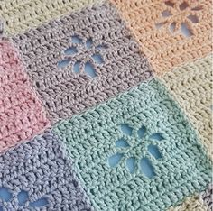 Ravelry: Filet Flower Square pattern by Crafty Queens
