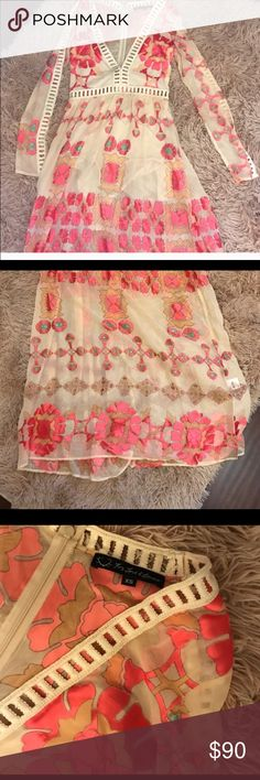 For love and lemons Barcelona maxi dress XS, I bought this dress on posh as nwt and I cut out the snap closure on the body suit before trying on. Unfortunately, it was too small for me (I have really big arms and it was too tight in the arms). So. Now I would like to pass it along. It would need a slip anyways and I did not mess with the integrity of the dress in any way. Just cut out the snaps in the crotch..because weird. Throw on a tank nude slip and slip this amazing dress on. Just…