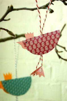 Easy Easter craft for kids Easter Crafts For Kids, Diy For Kids, Easter Decor, Easter Centerpiece, Easter Ideas, Spring Crafts, Holiday Crafts, Diy Ostern, Bird Crafts