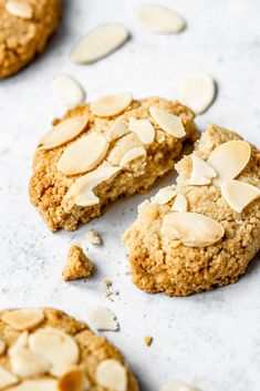 The best almond cookies gluten free vegan Gluten Free Almond Cookies, Almond Meal Cookies, Paleo Cookies, Vegan Gluten Free, Almond Recipes, Baking Recipes, Whole Food Recipes, Cookie Recipes, Vegan Recipes
