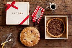 Can I just say #StyleCrush!  I love this entrepreneur and I LOVE her Pie Box.  Whether you are the guest or the hostess - have your pie stand out! www.piebox.com #GetYourStyleBack $35