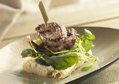 Grouse Sandwich - This fabulous recipe serves 2 and is simple to prepare in around 15 minutes. Have a go and enjoy a tasty game sandwich today! Grouse Recipes, Tasty, Yummy Food, Country Cooking, Sandwich Recipes, Fall Recipes, Sandwiches, Beef, Game