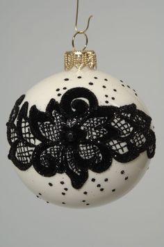 6 Stück - Weihnachtskugeln 8cm Wollweiß MIT SPITZE beflockt schwarz Glas Blume in Möbel & Wohnen, Feste & Besondere Anlässe, Jahreszeitliche Dekoration | eBay