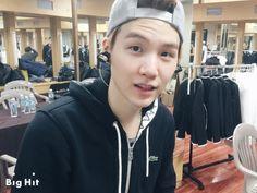 BTS Begin Concert 150328 - Behind the Scene rehearsal, waiting room