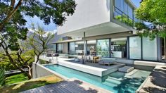 Welcome to Ideas of Villa Saebin by Greg Wright Architects article. In this post, you'll enjoy a picture of Villa Saebin by Greg Wright Arc. Design Exterior, Modern Exterior, Interior And Exterior, Architecture Résidentielle, Amazing Architecture, Casas Country, Ideal Home, Luxury Homes, Luxury Cars