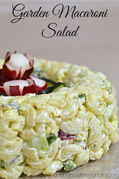 Garden Macaroni Salad - tangy flavor from cream cheese and crunchy texture from the cucumber, radish and bell pepper. Tupperware Jello Mold Recipe, Tupperware Recipes, Pasta Recipes, Salad Recipes, Cooking Recipes, Healthy Recipes, Salad Bar, Soup And Salad, Macaroni Salad