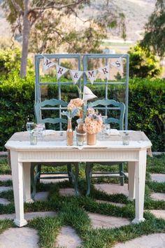 Vintage Dekore in Blau-Weiß gestrichen-ideen für Hochzeit im Freien