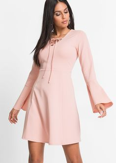 Buy Girls On Film Cami Skater Dress at ASOS. Get the latest trends with ASOS now. Dress With Bow, Pink Dress, Dress Up, Vestidos Color Rosa, Outfits Fiesta, Going Out Shirts, Plus Size Kleidung, Sweetheart Dress, Bodycon Fashion
