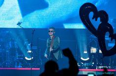 Ecco le foto della prima delle due serate che ligabueterra in Toscana a Livorno in occasione del suo nuovo tour Made in Italy
