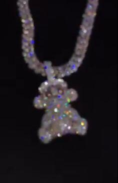 Cute Jewelry, Bling Jewelry, Diamond Jewelry, Jewelery, Cute Car Accessories, Jewelry Accessories, Flipagram Video, Rapper Jewelry, Boujee Aesthetic