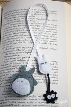 Marque-pages Totoro en ruban et feutrine ouaté gris et blanc