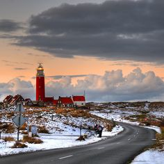 Lighthouse at Island Texel, Holland Light Of The World, Le Moulin, Abandoned Places, Places To See, Beautiful Places, Wanderlust, Scenery, Around The Worlds, Europe