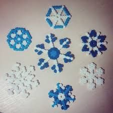 Картинки по запросу flocons de neige quilling