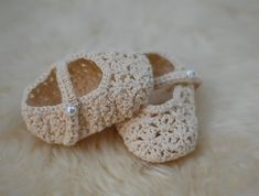 Handmade crochet baby shoes SOOOO CUTE! Made by Arcani on www.felt.co.nz http://felt.co.nz/listing/162604/Handmade-crochet-baby-shoes