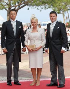 HSH Princess Charlene, can be grateful she has such wonderful family, who have not capitalised at all on their new famous royal connections.  her mum appears such a lady.