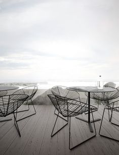 Would look good outdoor on the patio / terrace LEAF CHAIR- http://www.suiteny.com/products/outdoor/leaf-lounger/185/