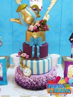 bolo ever after high Ever After High, Creative Desserts, Creative Cakes, Birthday Cake, Birthday Parties, Birthday Ideas, Fake Cake, Monster High Party, Alice