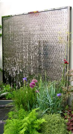 Wall water feature: the petal water wall