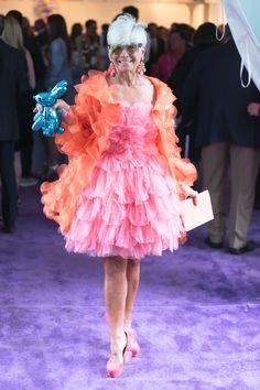 Taylor Swift Party, Cardigan Shirt, Aubrey Plaza, Julianne Moore, Joe Jonas, Katie Holmes, Meryl Streep, Signature Style, Ibiza