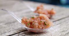 La Piccola Casa: Una semplice e veloce ricetta per preparare un ottimo crudo di pesce: tartare di palamita, cipollina e olio di sesamo sale rosso