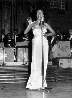 Lena Horne 1917-2010 She started singing in the big band era of the 1940s  she sang  with Duke Ellingtons orchestra,Charlie Barnet and Billy Eckstines orchestra