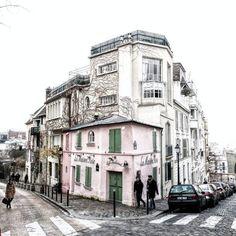 maison rose montmartre