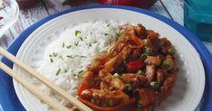 Kínai gyorséttermek egyik legnépszerűbb fogása, de házilag elkészíteni sem egy ördöngősség. A jó tüzes, csípős éte... Grains, Rice, Chicken, Meat, Food, Essen, Meals, Seeds, Yemek
