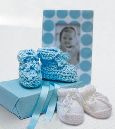 Adorable #knit #baby booties tutorial :) #shower