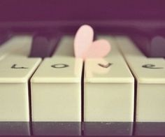 I love the piano :)