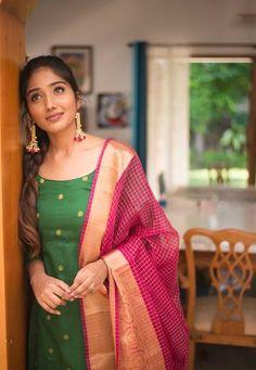 Kalamkari Dresses, Ikkat Dresses, Simple Kurti Designs, Blouse Designs, Pink Kurti, Frocks And Gowns, Long Dress Design, Churidar Designs, Kurti Designs Party Wear