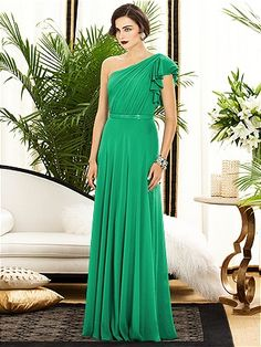 Dessy Collection Style 2885 in PANTONE Emerald www.patsysbridal.com #PatsysBridal #DessyCollection #bridesmaid