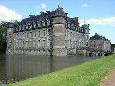 O Castelo de Beloeil com o seu fosso.