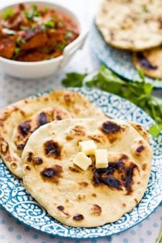 Sips and Spoonfuls: Guest Post on Rasa Malaysia- Homemade Naan Bread Homemade Naan Bread, Recipes With Naan Bread, Easy Asian Recipes, Indian Food Recipes, Naan Recipe, Rasa Malaysia, Good Food, Yummy Food, Pizza