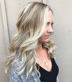Gorgeous sombre by Hts stylist @lovejoy.locks #lajollalocals #sandiegoconnection #sdlocals - posted by San Diego Hair Salon  https://www.instagram.com/headlinesthesalon. See more post on La Jolla at http://LaJollaLocals.com