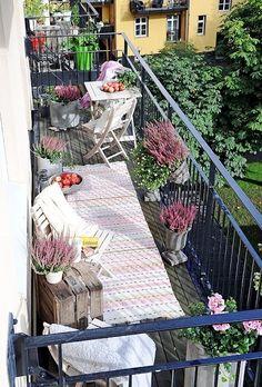 Выбираем между привычным и интересным, или Пять уникальных приемов для обустройства балкона