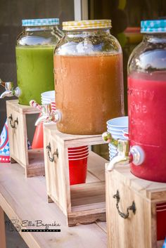 Beverage dispensers on wooden shelves from a Race Car Birthday Party on Kara's P. - Car and Race Car Party Ideas - Juice Race Car Birthday, Race Car Party, Cars Birthday Parties, Race Cars, Juice Bar Design, Fruit Shop, Shawarma, Wooden Shelves, Cafe Bar