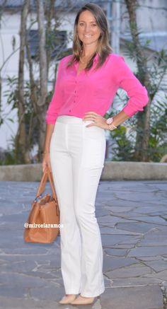 Look de trabalho - look do dia - look corporativo - moda no trabalho - work outfit - office outfit - winter outfit - fall outfit - frio - look de inverno - inverno - calça branca - pink shirt - camisa pink - bolsa caramelo - scarpin